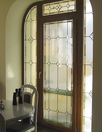 витражные окна в частных домах фото